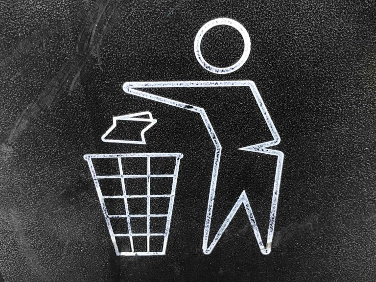 Read more about the article Affald / Garbage containers